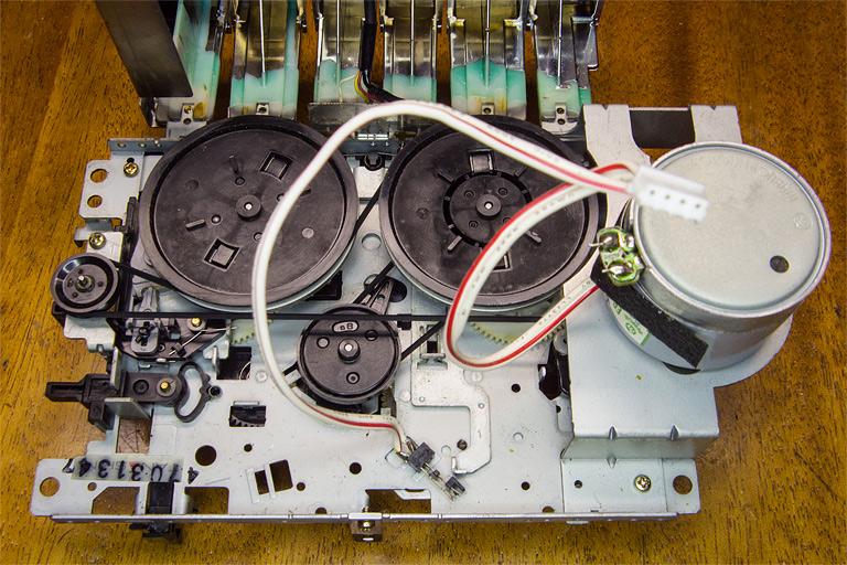 Лентопротяжный механизм аудио-магнитофона, кассетной магнитолы Sony CFS-B7S
