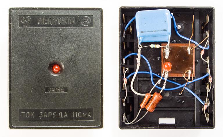 Навесной монтаж внутри зарядки Электроника-ЗУ04. Используемые радиодетали, разборка, что внутри