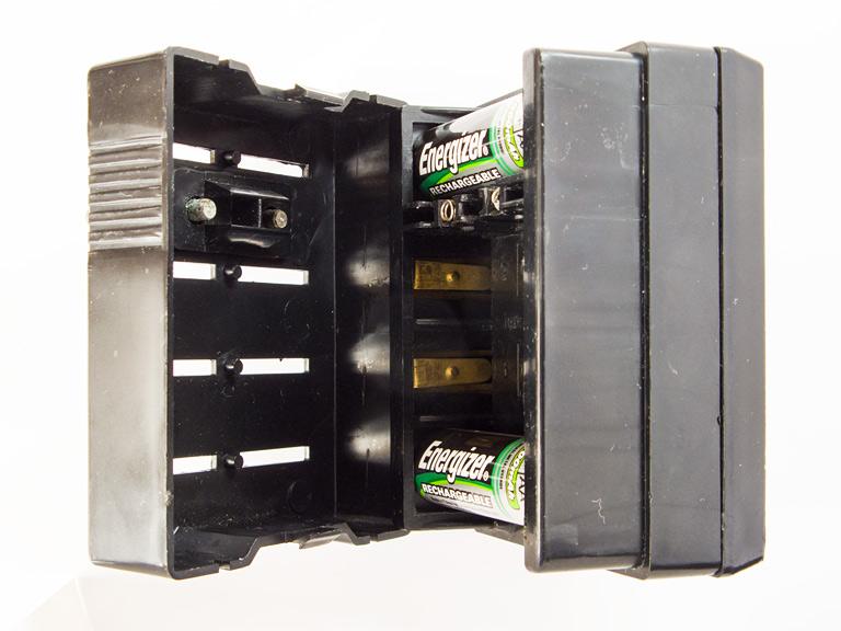 Советское зарядное устройство Электроника-ЗУ04 на 1-4 АА-аккумулятора