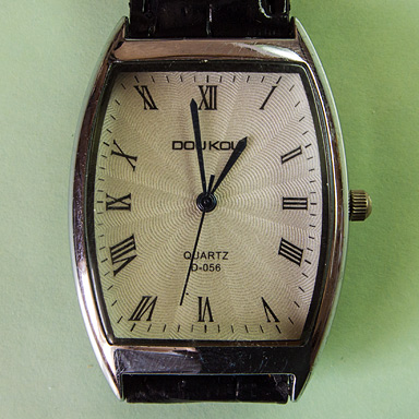 Самые дешёвые кварцевые наручные часы на Алиэкспрессе