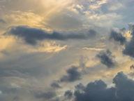 Фон для рабочего стола 2048 х 1536. Штормовые облака.