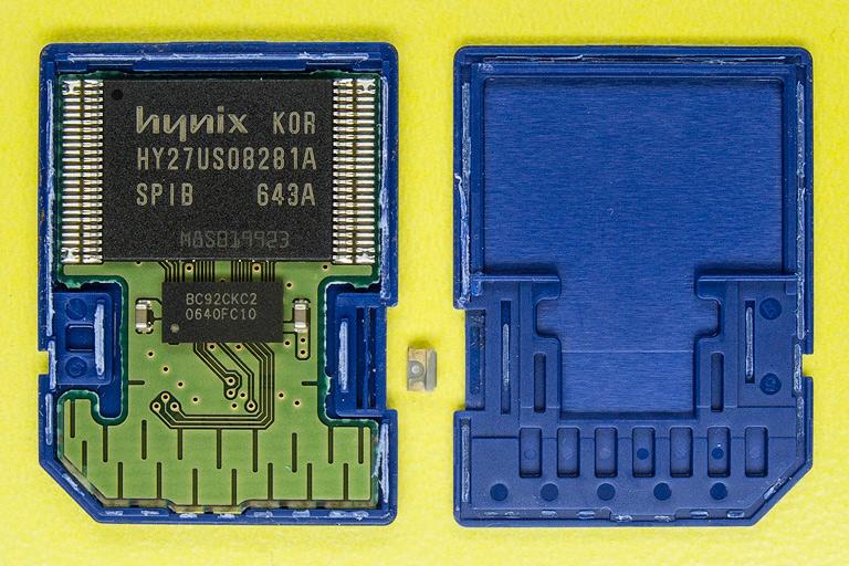 Разборка SD флеш карты. Чипы памяти и контроллера. hynux hy27us08281a