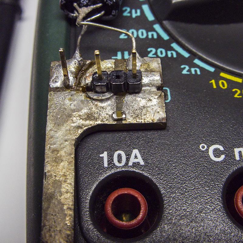 Измерение ёмкости чип-конденсатора с помощью самодельного приспособления к мультиметру