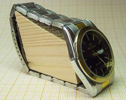 Настольные часы из наручных, установка на стол с помощью распорки браслета, DIY make clock from watch in simple way