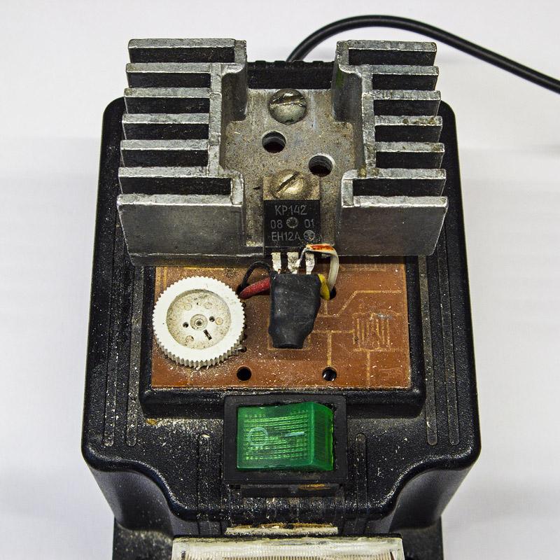 Самодельный регулируемый блок питания на КР142ЕН12А - радиатор, коробка, компановка