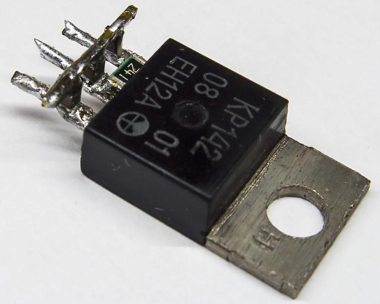 Сверхкомпактная распайка обвязки линейного стабилизатора напряжения КР142ЕН12А или LM317