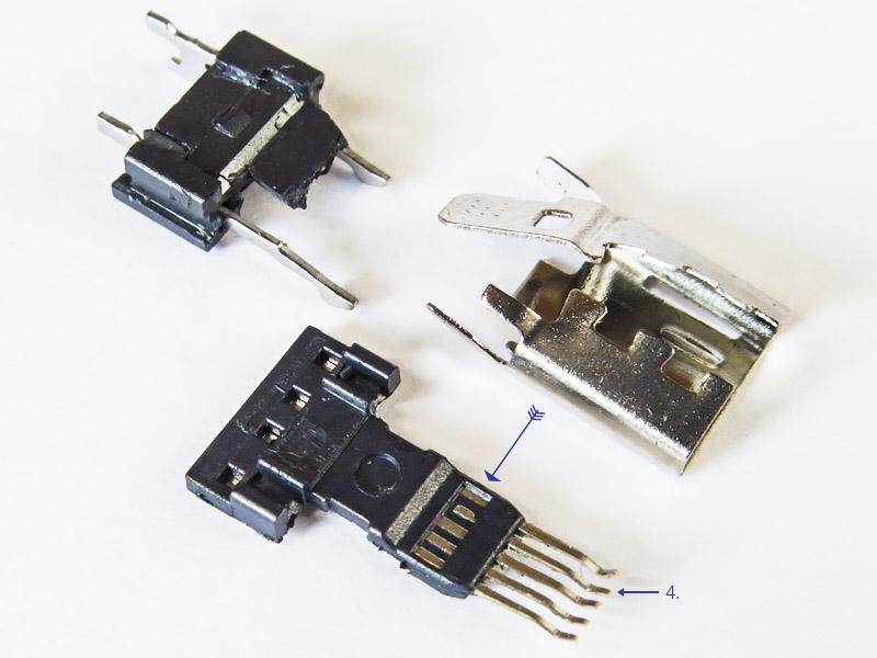 Обычный, не OTG коннектор USB с пятью контактами внутри