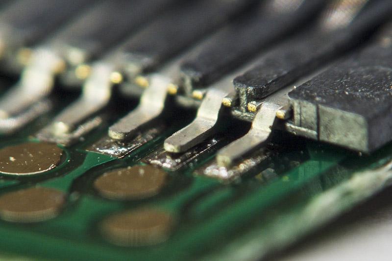 Бракованный USB-microSD адаптер, не работает, непропай