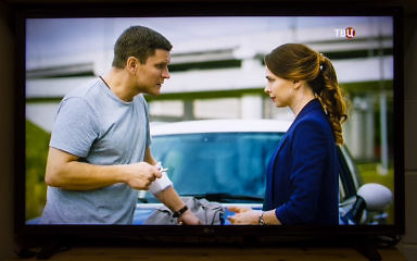 Как показывает телевизор LG 32LM6350PLA. Стоит ли покупать. Качество картинки на телеканале ТВЦ